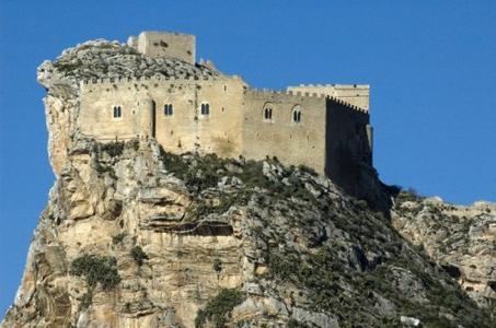 13276082_il-castello-di-mussomeli-la-baronessa-di-carini-0